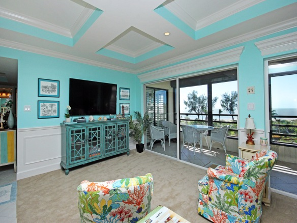 Recently remodeled great room at Gulfside Place #319