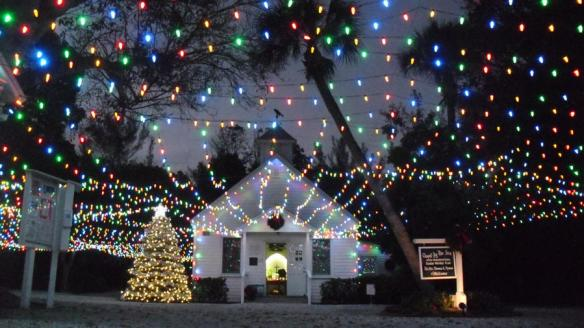 captiva-chapel-by-the-sea-carol-sing