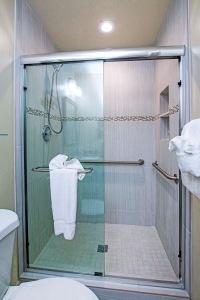 Master Bathroom b resized